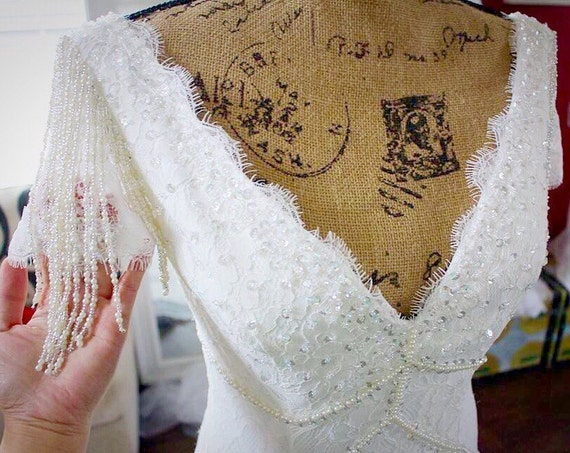 Vintage Wedding Dress / Lace Beaded Cap Sleeves Wedding Dress