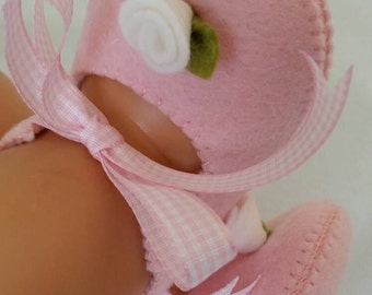 Pink with white rose woolfelt baby shoes