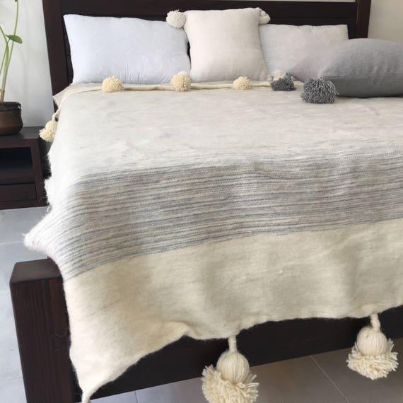 Marokkanische Decken marokkanische decke mit pompons ragte