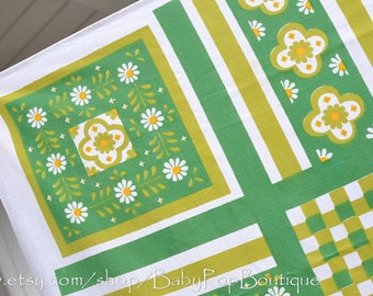 Green mid century flower table cloth 1960