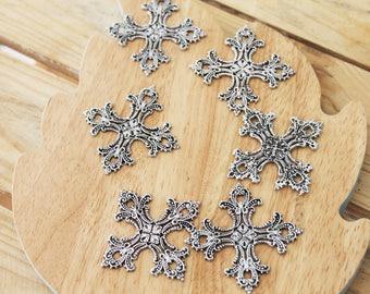 Silver cross pendant