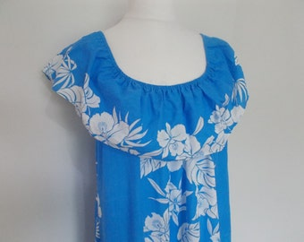 Vintage Hawaiian dress by Helena's blue hibiscus floral dress made in Hawaii size extra large XXL