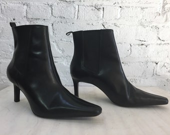 vintage black leather Ralph Lauren pointed toe ankle boots / mid stiletto heel pull on booties