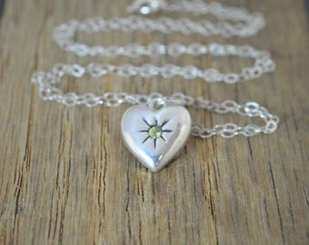 Peridot Mothers Necklace, Silver Heart Necklace, Peridot Stone Necklace, Dainty Heart Necklace, Mothers Peridot Necklace, August Birthstone