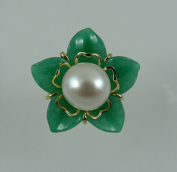 Green Jade and Freshwater White Pearl Flower Ring 14k Yellow Gold
