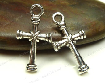10 Cross Charms (Double Sided) 20x10mm Antique Silver Tone Metal - Cross Pendants - BM12