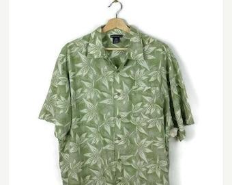 ON SALE Vintage Pale Green Men's Hawaiian Slouchy Blouse from 90's/Hawaiian Shirt*