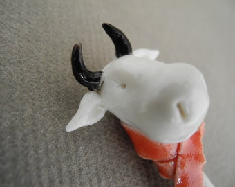 Cow with a red scarf - spoon - sugar scoop - in white porcelain