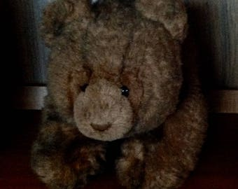 "GUND COLLECTOR'S CLASSIC..Brown Bear..1987 Vintage..18 1/2"" Dk. Brown Mohair-Like Coat.Dk. Brown Paws.Leather Nose..Glassy Eyes..Soft,Cuddly"