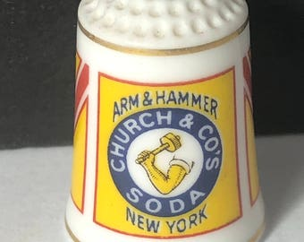 1980 FRANKLIN MINT THIMBLE vintage porcelain sign food product advertising gold trim figurine miniature Arm hammer church co's soda new york