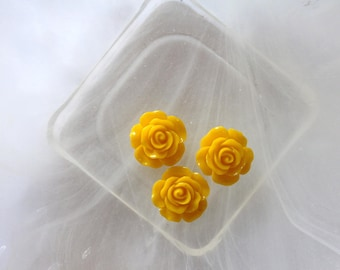 small pink flower cabochon yellow scrapbooking