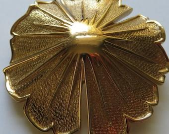Vintage Monet Brooch Vintage Jewelry Gold Tone Flower Pin Costume Jewelry Monet Flower Brooch