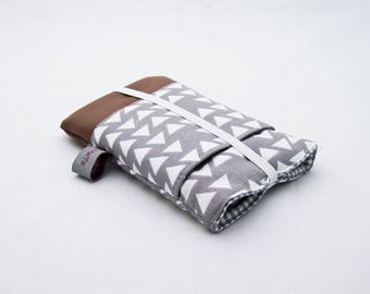 "Case for iPhone */iPod Touch */Smartphone/ Mobile Phone ""Triangles"", size as requested, grey and white print, gingham, brown faux leather"