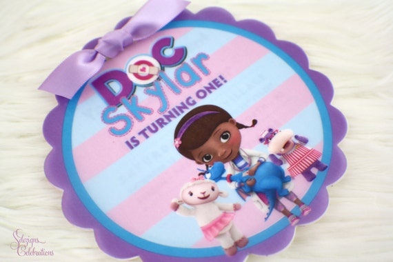 Doc mcstuffins birthday invitation round flower scallop doc mcstuffins birthday invitation round flower scallop shape birthday party invitations cute girly adorable stopboris Image collections