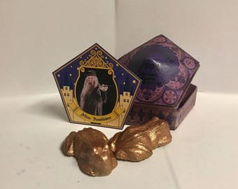 Chocolate Frog Bath Bomb, Harry Potter bath bomb, (WITH) Chocolate frog box (AND) Famous witch or wizard card, Honey Dukes, Bath Bomb