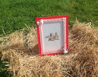 Photo frame, wooden accessory kitchen, home decor, chickens and pine cones, red & white gingham