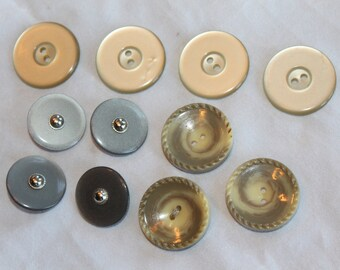 Vintage  Buttons, Round, Sewing Supply, Findings Notions Large Round Mismatched