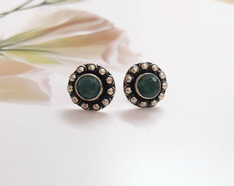 Handmade Natural green emerald oxidised 925 sterling silver earstuds