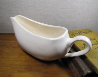 Large Creamy White Gravy Boat - Made in China