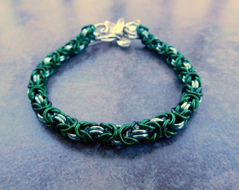 Green Anodized Aluminum Chainmail Bracelet - Byzantine Chainmaille Baracelet with Flower Toggle Clasp