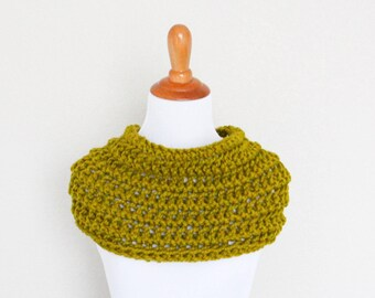 READY TO SHIP - Chunky Knit Cowl, Hand Knit,  Chunky Knit Scarf,  Lemongrass, Carbon Cowl