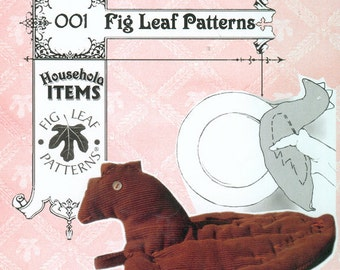Fig Leaf Patterns 001, Chicken as Warm Plate Holder, 19th C.