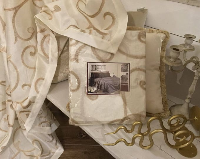 Ivory and gold Tarpaulin