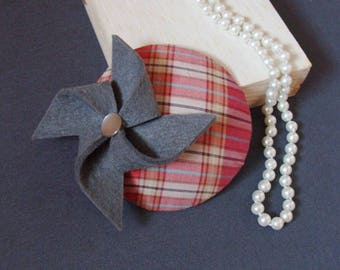 fascinator plaid with windmill