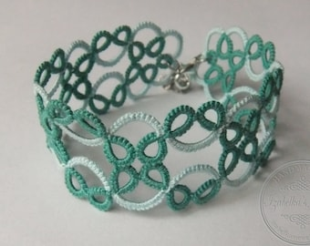 Lace tatted bracelet in two colors