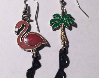 Flamino earring w/Palm trees Dingaling glasses with bird flamingo earring