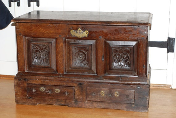 1690 Welsh Coffer Bach