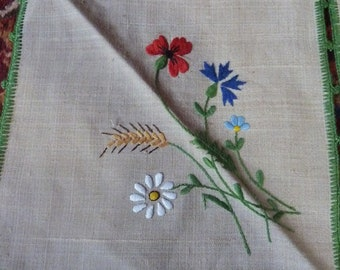 2 linen tea towels * 20 cm square * wild flowers hand embroidered