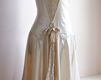 RESERVED//1920s Wedding Dress // Vintage 20s Lace Flapper Wedding Dress