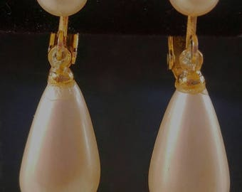 Vintage Simulated Pearl Tear Drop Screw Back Earrings