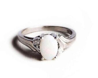 Vintage 10k White Gold Opal & Diamond Gemstone Ring ~ Size 6 1/2 Oval October Birthstone