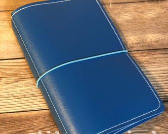 Traveler's Notebook - Medium blue with white and sky blue