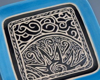 "Graphic Sunset Carved 7"" Square Plate with Bright Blue Rim"