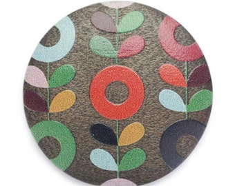 BN1941 painted flowers button