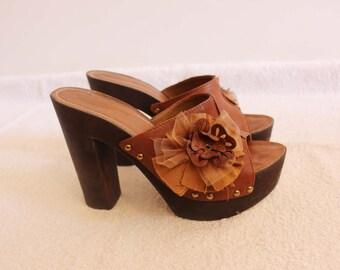 Leather heel clogs