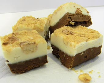 Julie's Fudge - GINGERBREAD Cheesecake with Snickerdoodle Crumble - Half Pound