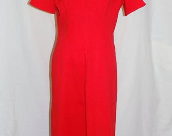 Ruby Red | Vintage 1960s Red shift dress// Mod |  S M