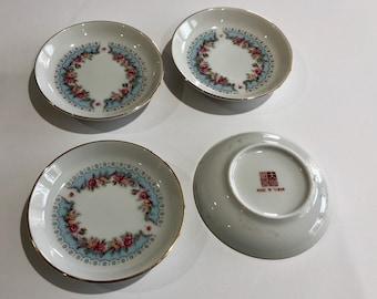 Bon-bon plates – set of 4