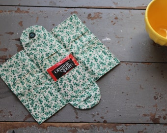 Tea Wallet / Green Vintage Inspired 12-pocket Vintage Tea Wallet / Tea Holder / Tea Carrier / Mother's Day Gift / Hostess Gift / Tea Party
