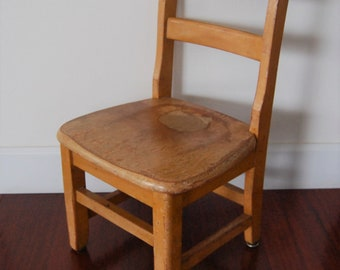 Antique Wood Childu0027s Chair   Petite Small Kids Desk Kitchen Seat / Chair  Wooden Toy Doll