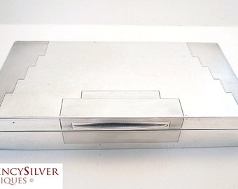 Elegant ART DECO Solid Sterling Silver Cigarette/Trinket/Jewelry Box Case Casket. Minimalist. English Hallmarked. Early 20th-century.