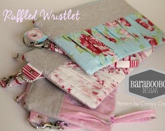 Ruffled Zipper Zipper Pouch in soft florals, CHOICE of 3 different prints, linen, pouch, clutch