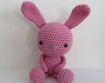 Lapin rose au crochet, amigurumi lapin