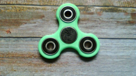 how to make your fidget spinner silent and fast