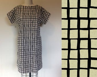 Cotton and linen pocket shift dress- Squares- Small