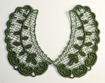 Lace Collar in MEDIUM GREEN for 18 inch dolls such as American Girl #CR40